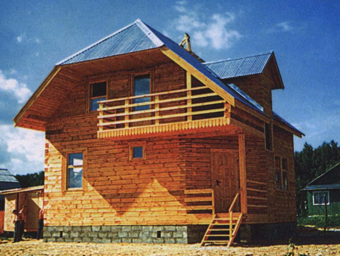 Дома брусовые с балконом..